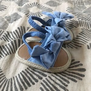 Other - NWOT fabric flip flops with elastic strap and bow